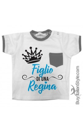 """T-shirt con taschino """"figlio di una Regina"""""""