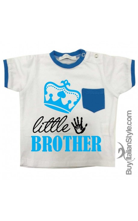 "T-shirt con taschino ""Little Brother"""