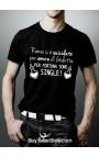 """T-shirt uomo mezza manica """"Romeo si è suicidato per amore di Giuletta. Per fortuna sono single."""""""