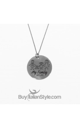 """Necklace with """"My Family"""" pendant"""