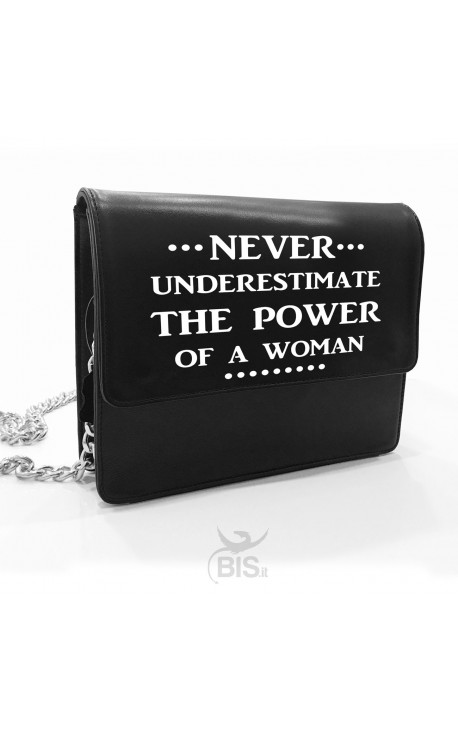 """Tracolla in pelle """"Never understimate the power of a woman"""""""
