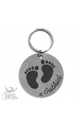 "Personalized Round Keyring ""Feet & Name"""